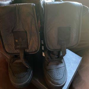 Jeremy Scott Pour Adidas. Worn once. Size 7.